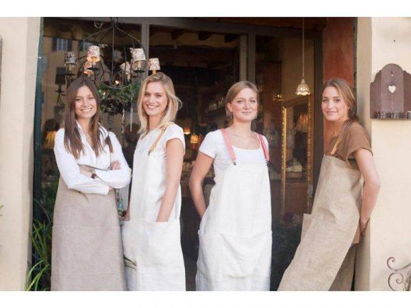 uashmama-apron girls